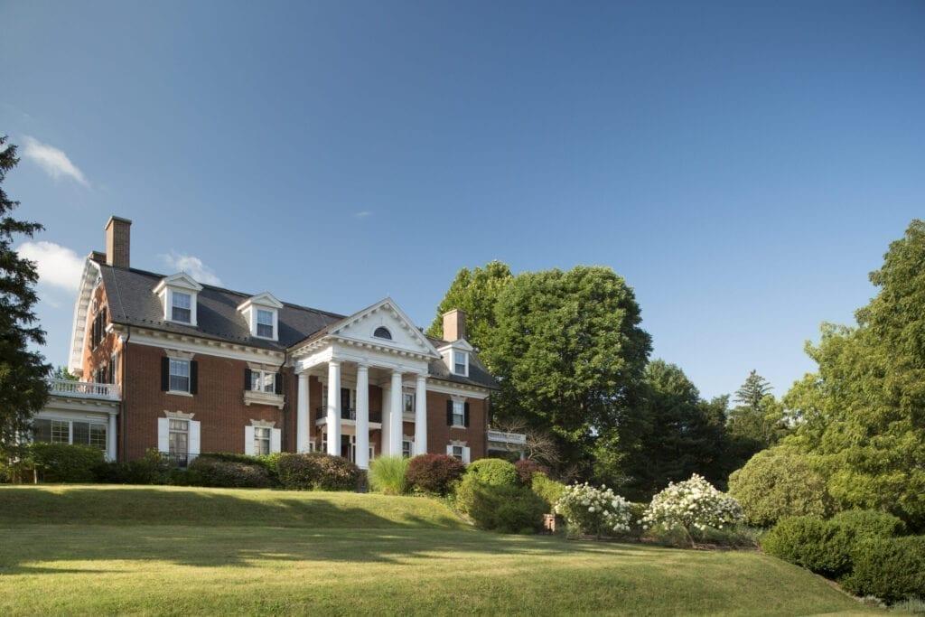 of grand Georgian 1909 mansion, Mercersburg Inn, Pennsylvania, USA