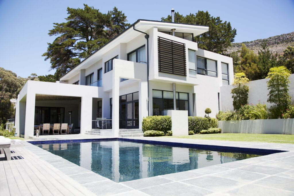 10 Must Have Items That Luxury Home Buyers Want Most