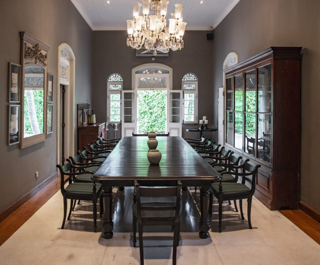 dinning room colonial
