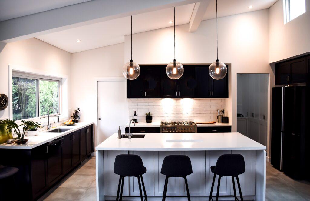 three lights kitchen