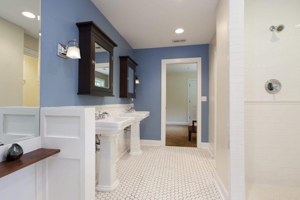 10 Ways To Add Color Into Your Bathroom Design