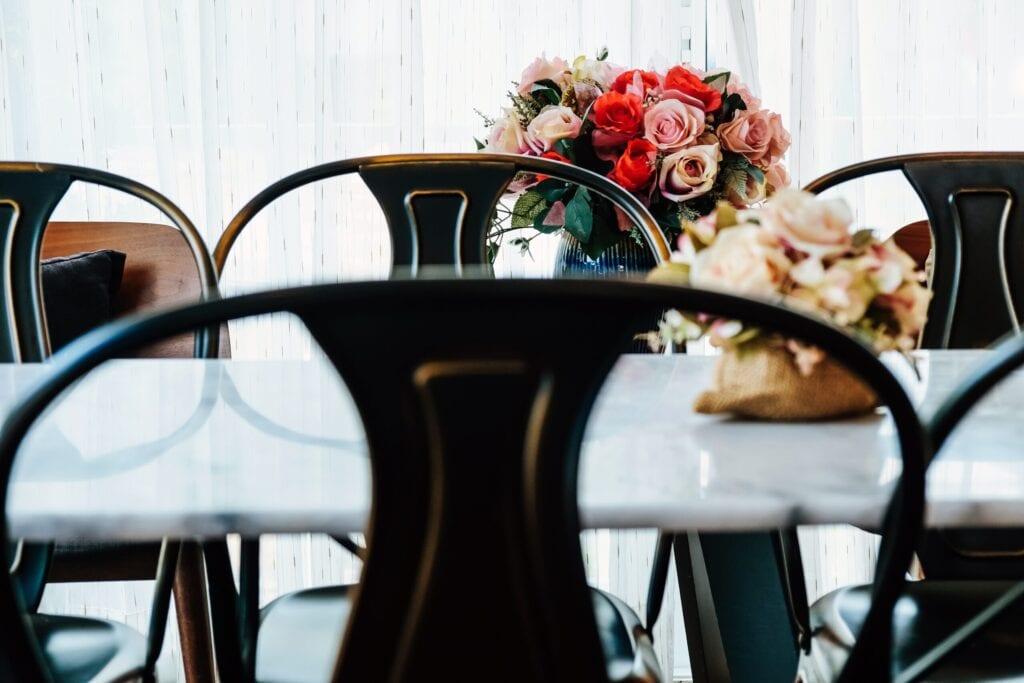 chrome dinning chairs