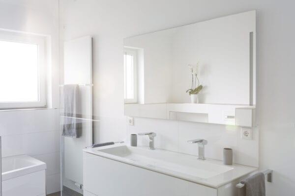 Simple but modern bathroom