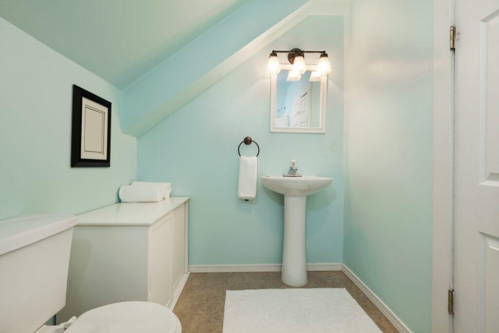 Small turquoise bathroom