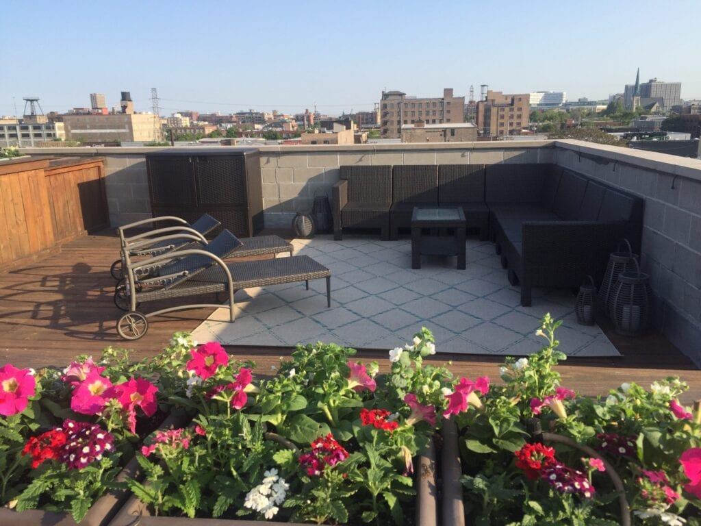rooftop deck with sunchairs