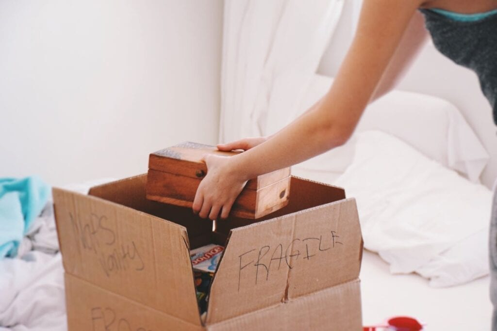 How to Pack for a Move: A Complete Checklist | MYMOVE