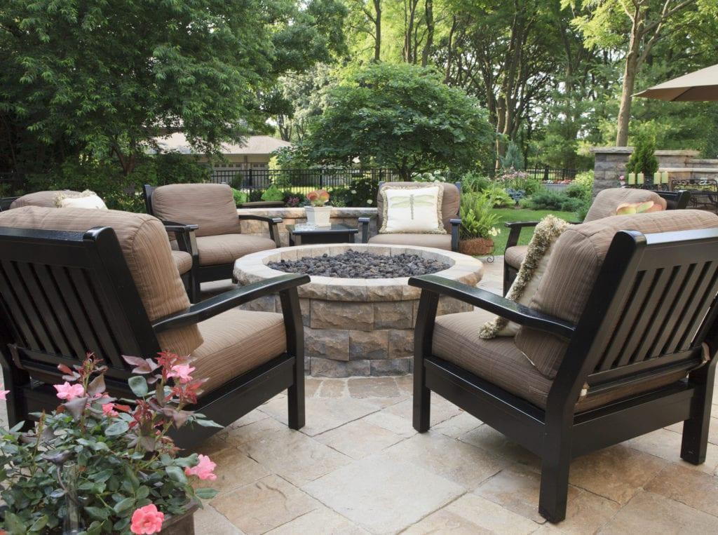 Backyard patio DIY fire pit