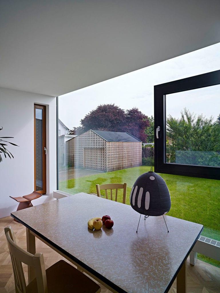 30 Modern Floor-to-Ceiling Windows (12)