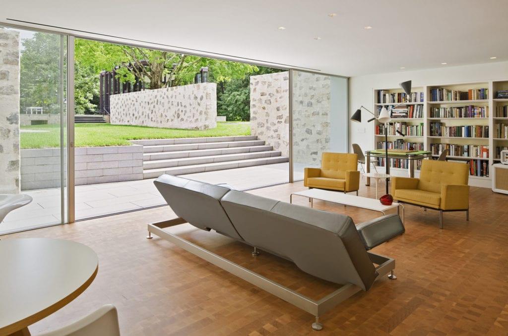 30 Modern Floor-to-Ceiling Windows (13)