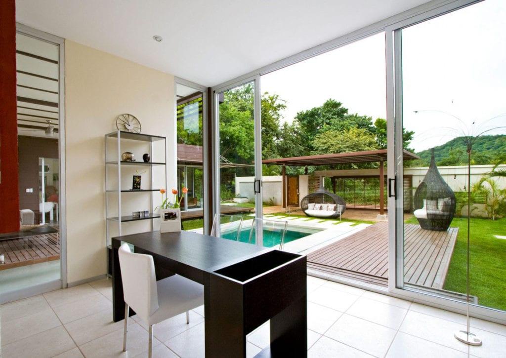 30 Modern Floor-to-Ceiling Windows (19)