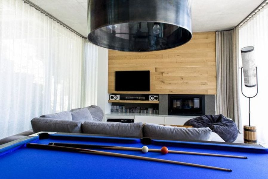 Pool table clearance on each side