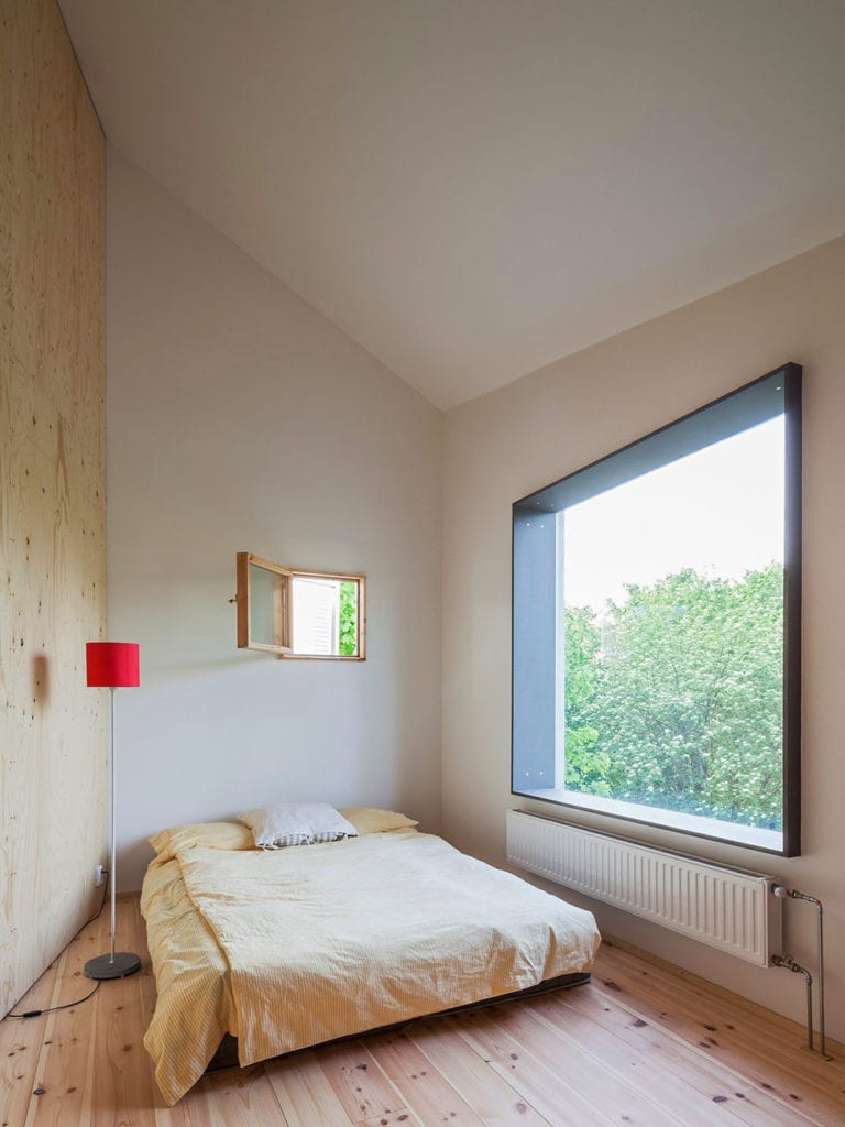 Happy Cheap House by Tommy Carlsson Arkitektur (11)