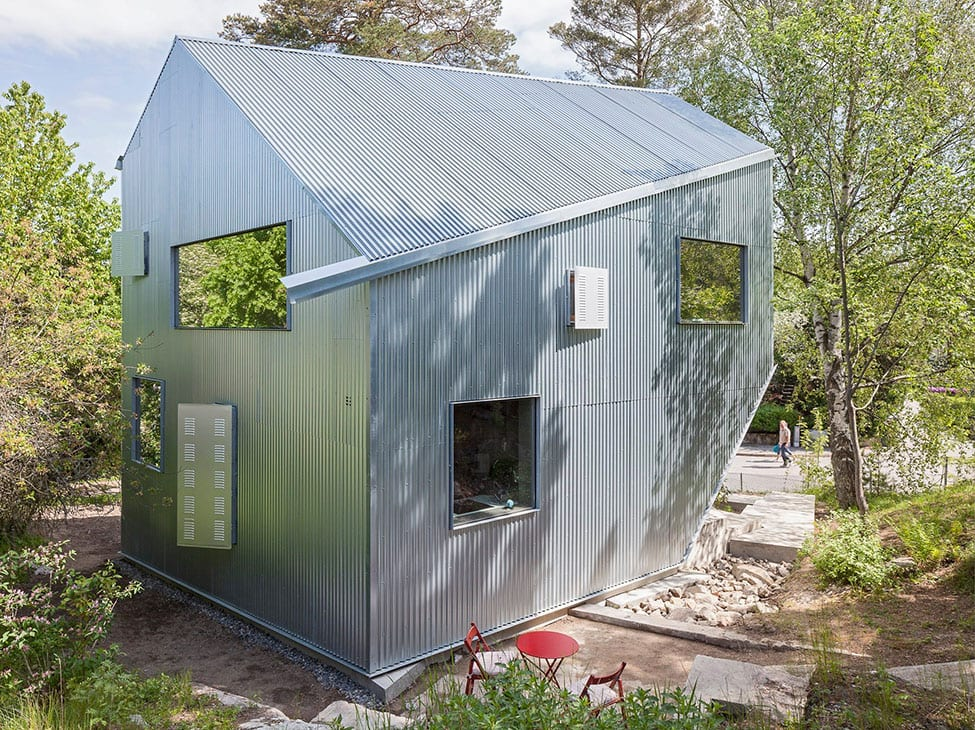 Happy Cheap House by Tommy Carlsson Arkitektur (2)