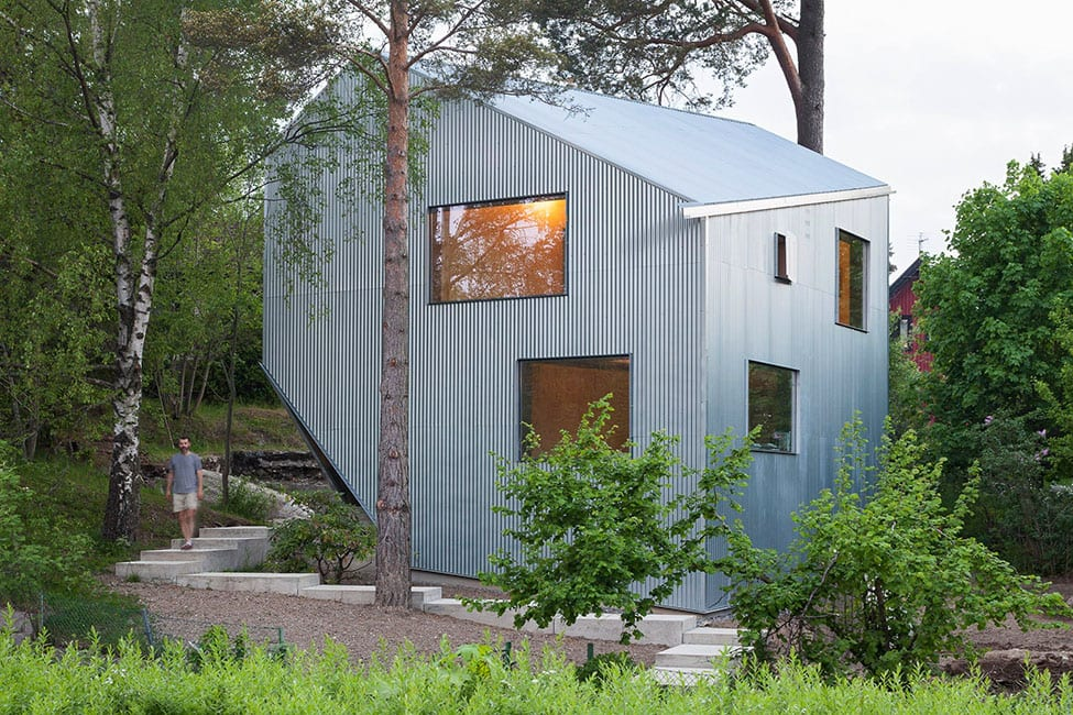 Happy Cheap House by Tommy Carlsson Arkitektur