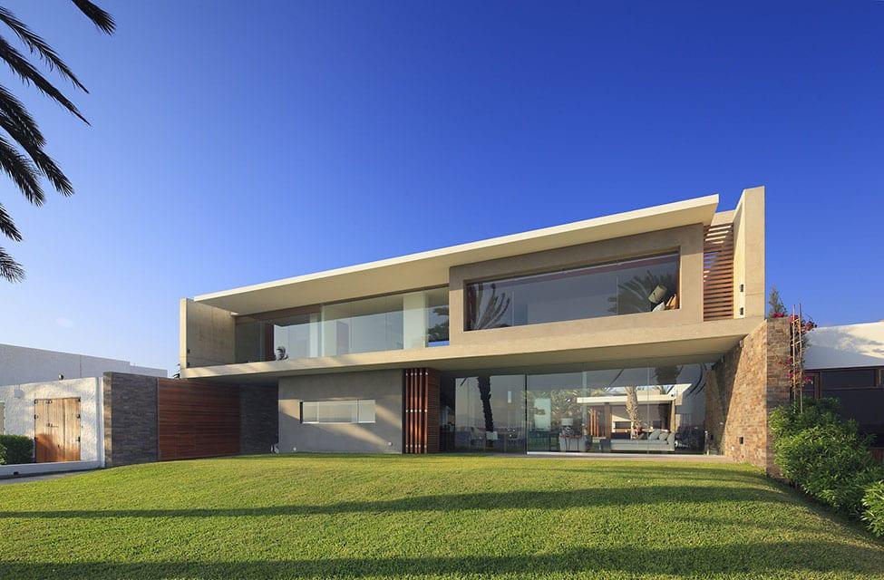 Mar de Luz Mansion by Oscar Gonzalez Moix (1)