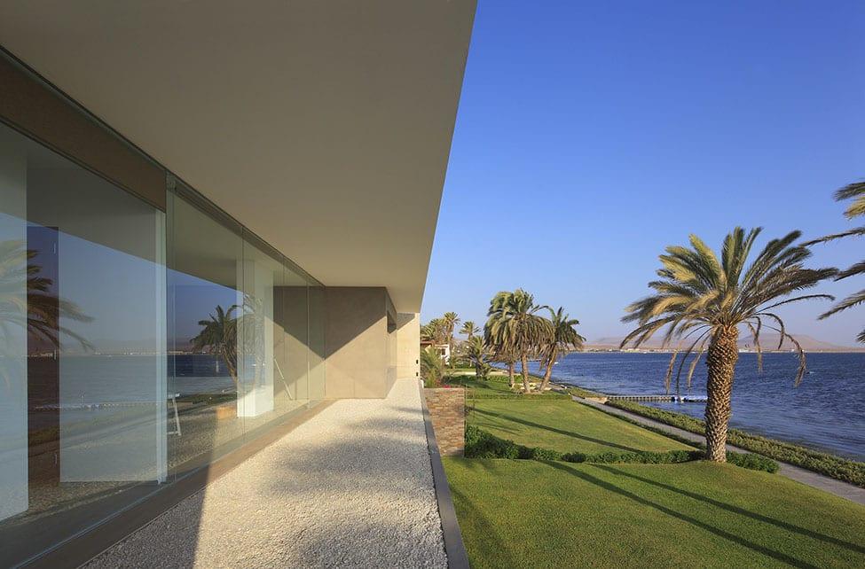 Mar de Luz Mansion by Oscar Gonzalez Moix (2)