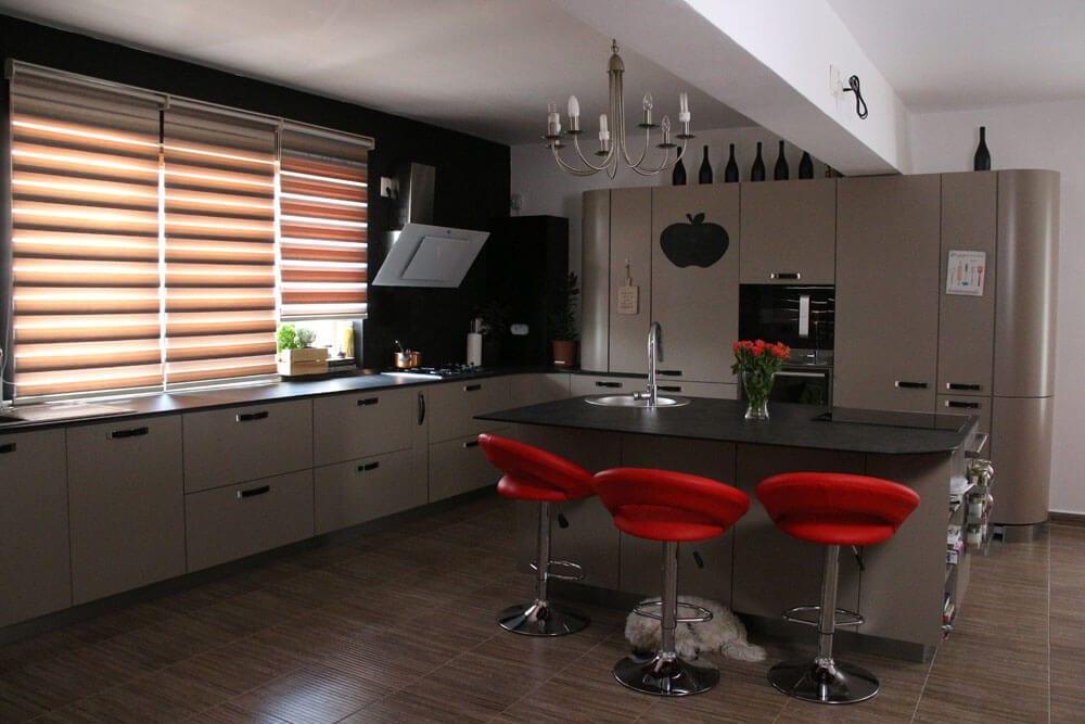 TV studio kitchen for Oana Grecea by Euphoria Kitchens Hall (11)