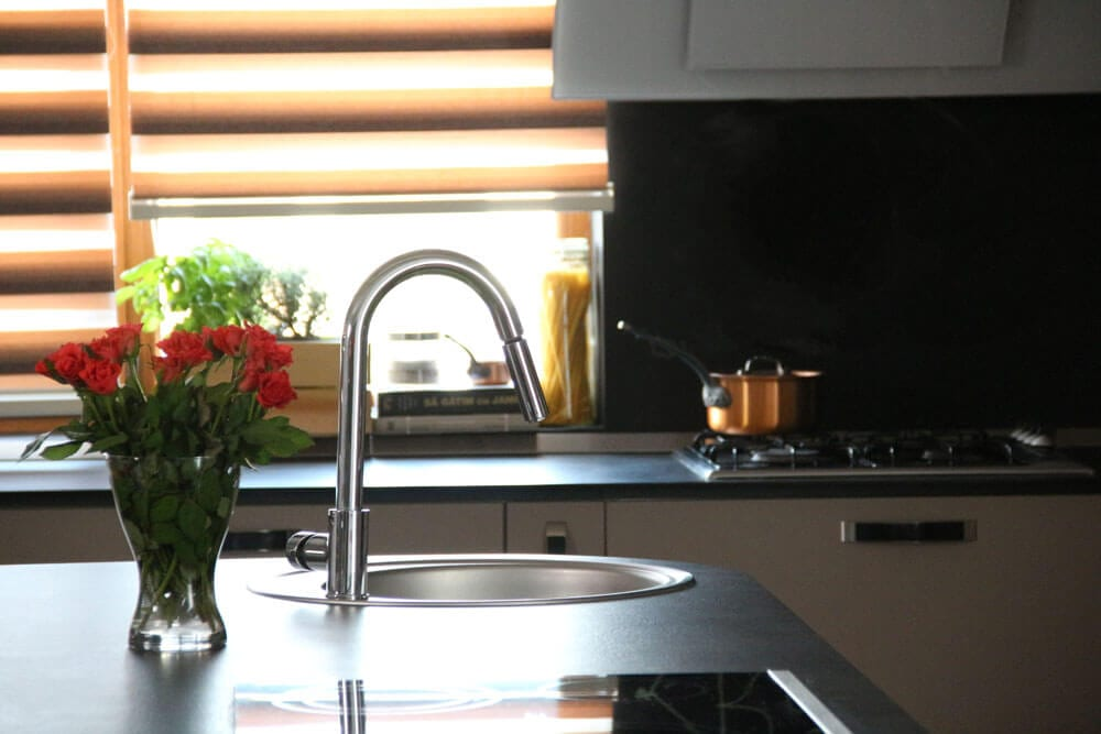TV studio kitchen for Oana Grecea by Euphoria Kitchens Hall (13)