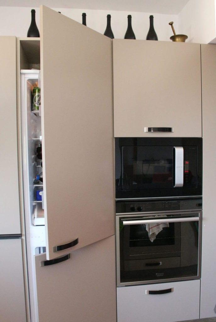 TV studio kitchen for Oana Grecea by Euphoria Kitchens Hall (16)