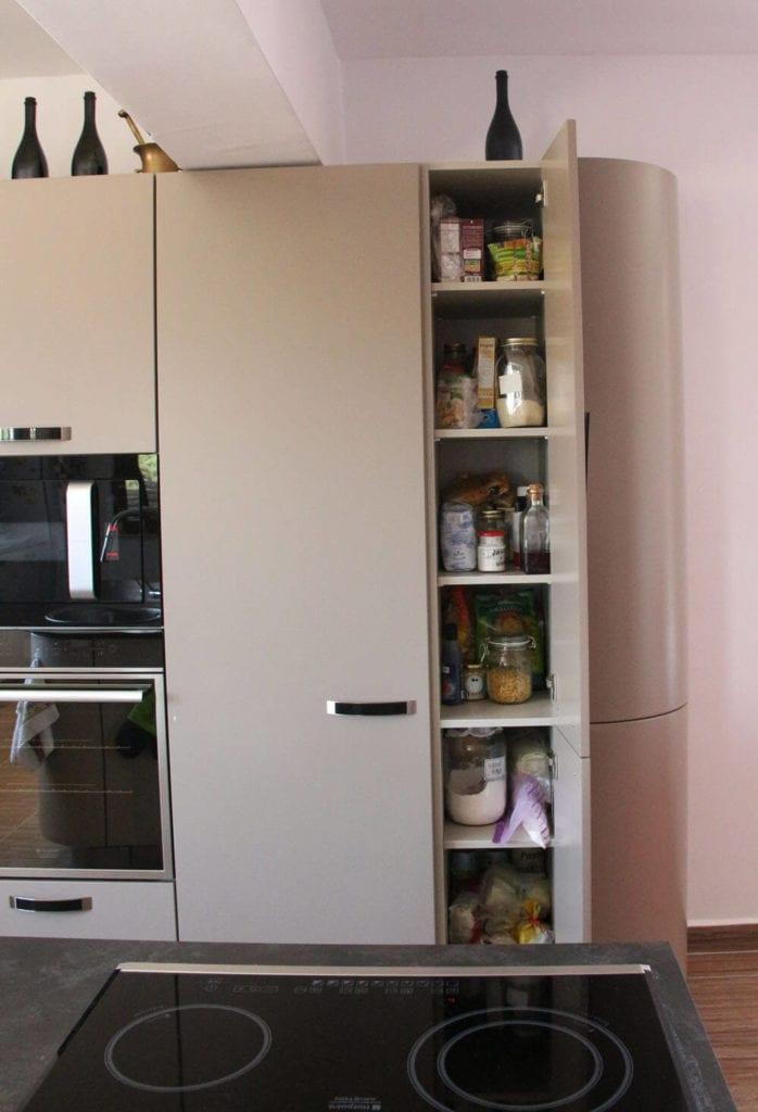 TV studio kitchen for Oana Grecea by Euphoria Kitchens Hall (18)