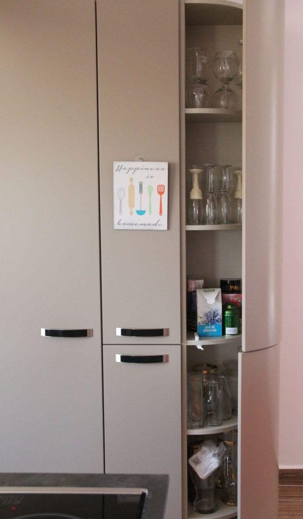 TV studio kitchen for Oana Grecea by Euphoria Kitchens Hall (19)