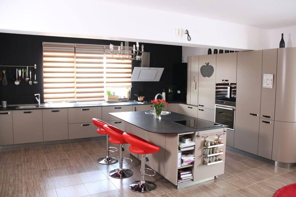 TV studio kitchen for Oana Grecea by Euphoria Kitchens Hall (2)