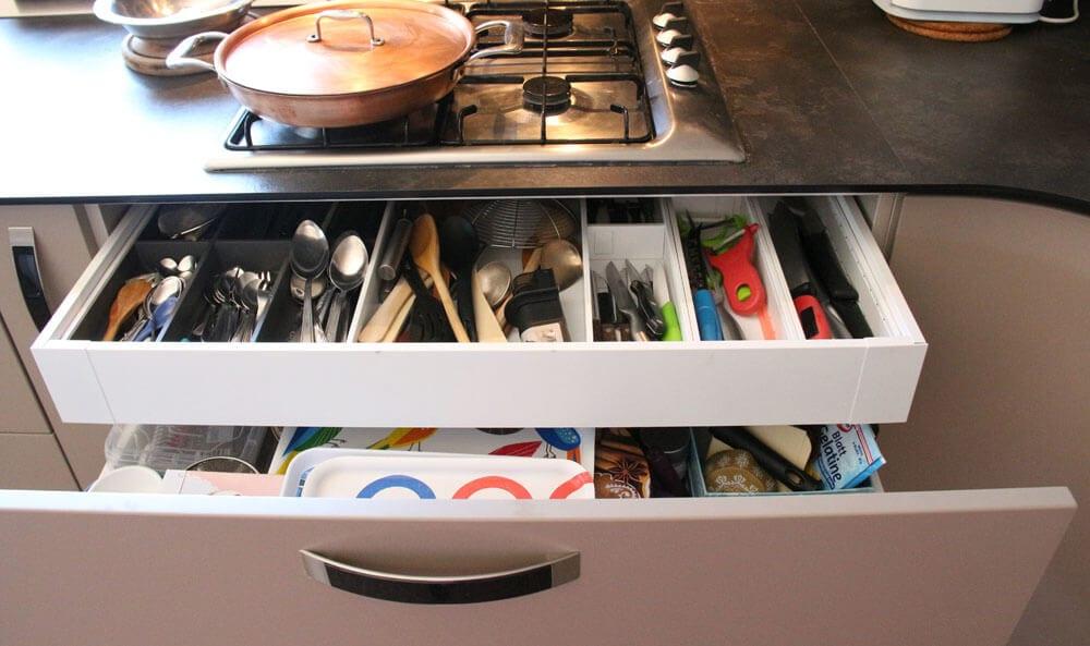 TV studio kitchen for Oana Grecea by Euphoria Kitchens Hall (21)