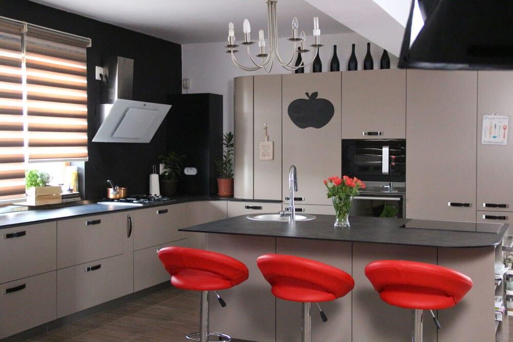 TV studio kitchen for Oana Grecea by Euphoria Kitchens Hall
