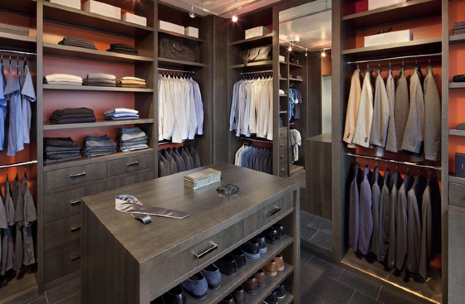 Walk-in Closet for Men - Masculine closet design (29)