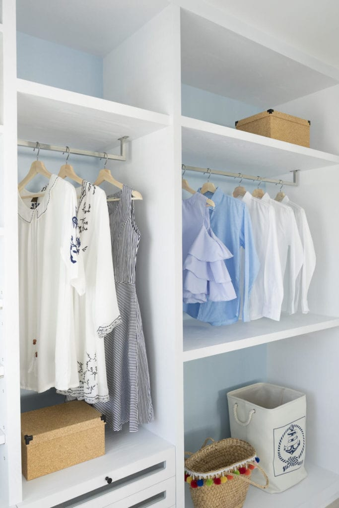 Walk-in Closets Baskets Style