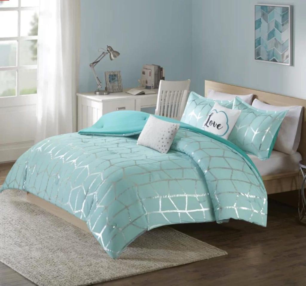 Glam dorm bedding
