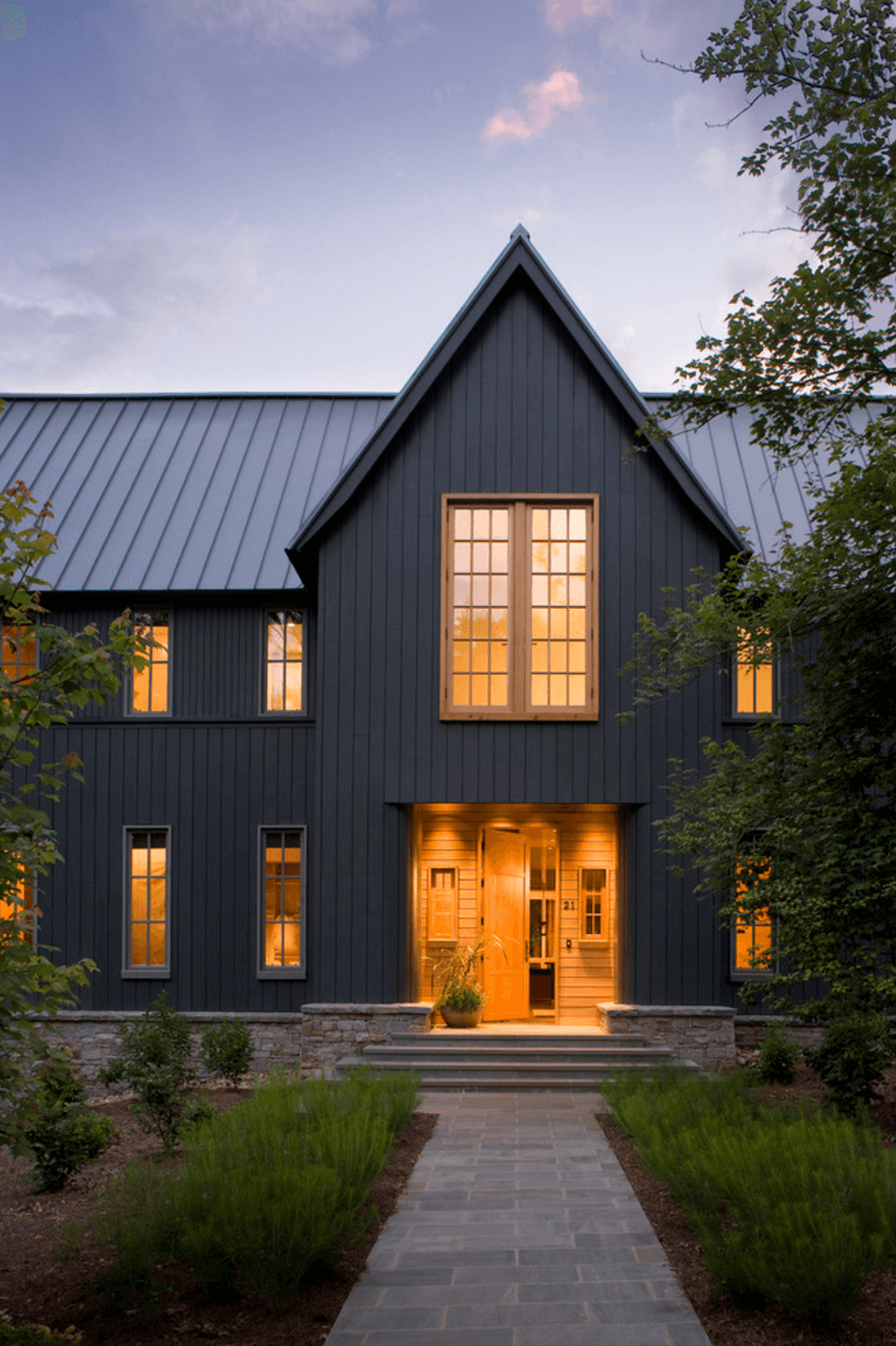 20 Dramatic Home Exteriors Proving Black Is The New Black,Senior High School Shirt Designs
