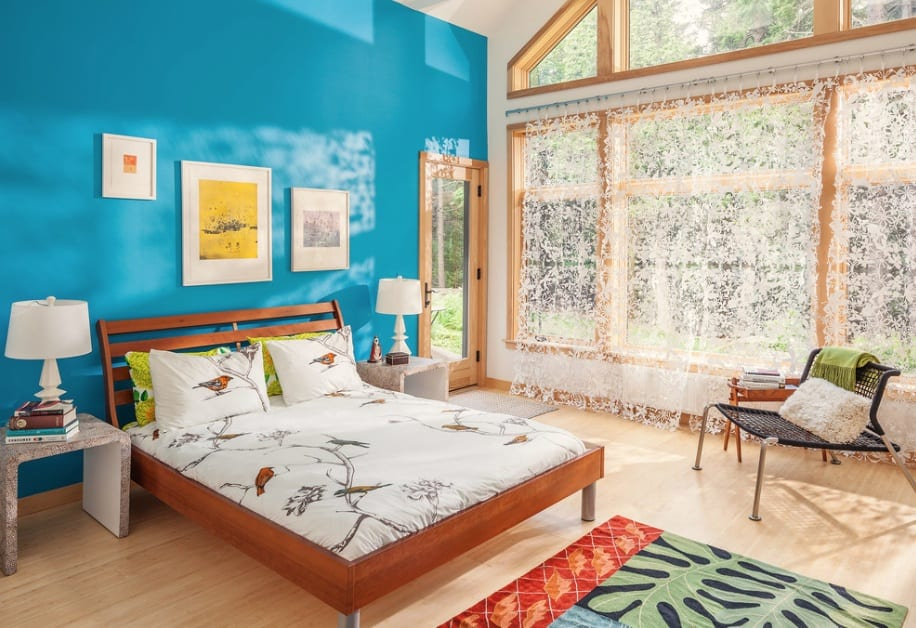 bold blue paint bedroom