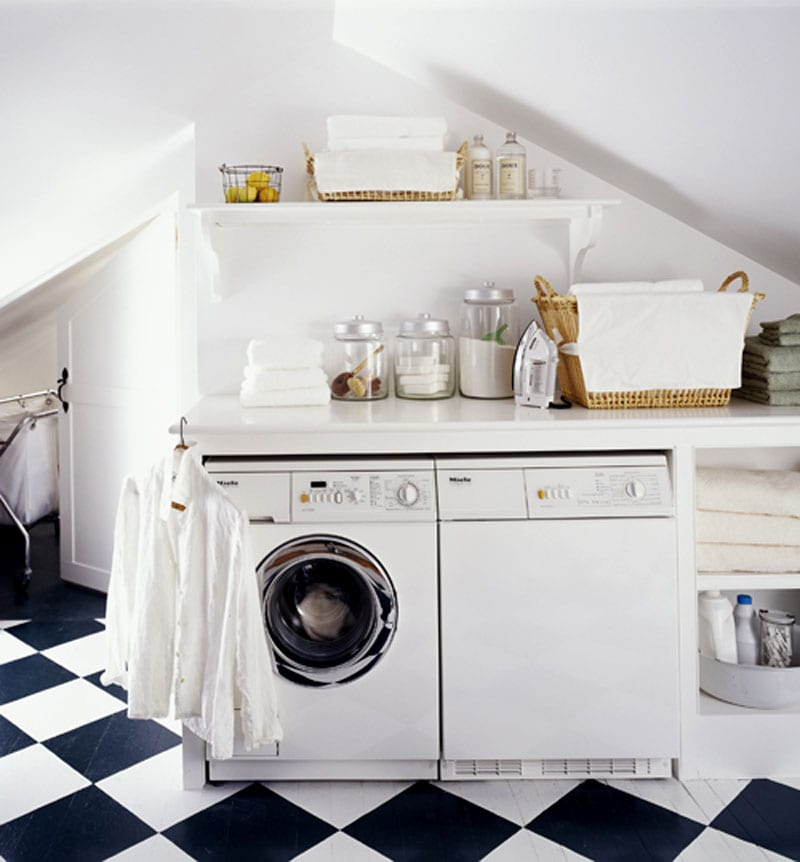 clean home laundry room