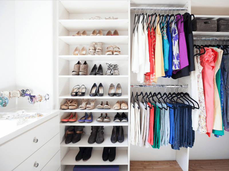 closet cleaning tips - color coded