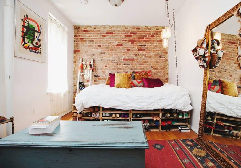 DIY pallet furniture ideas for the bedroom