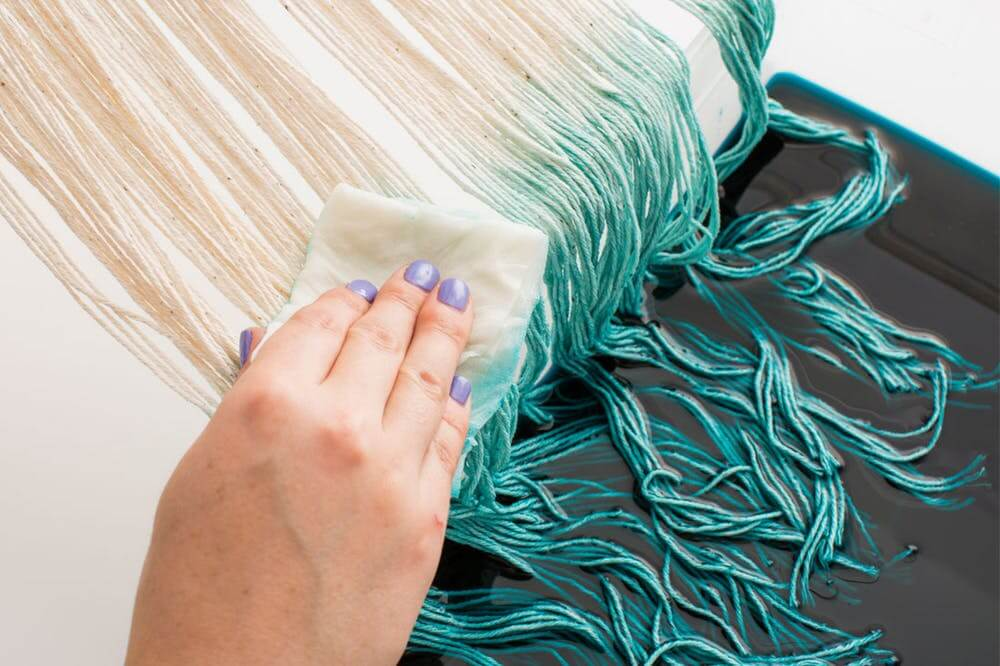 create a wall hanging from string - ombre