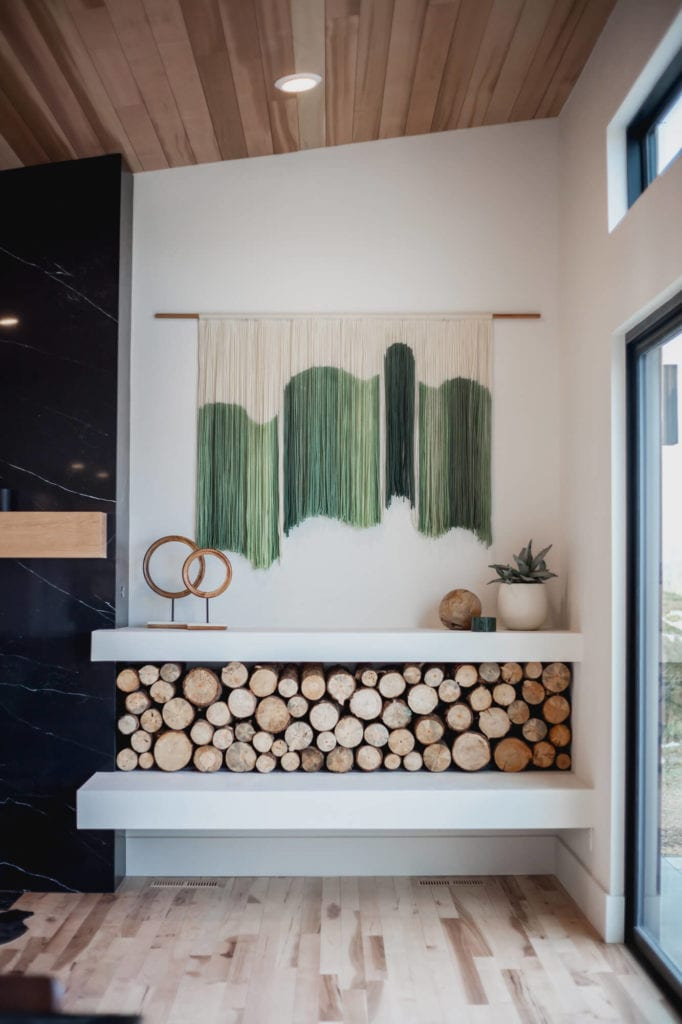 create a wall hanging with string - dip dye