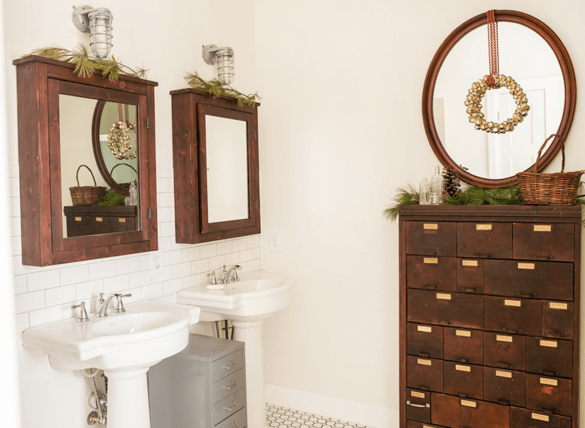 decorate a bathroom for the holidays