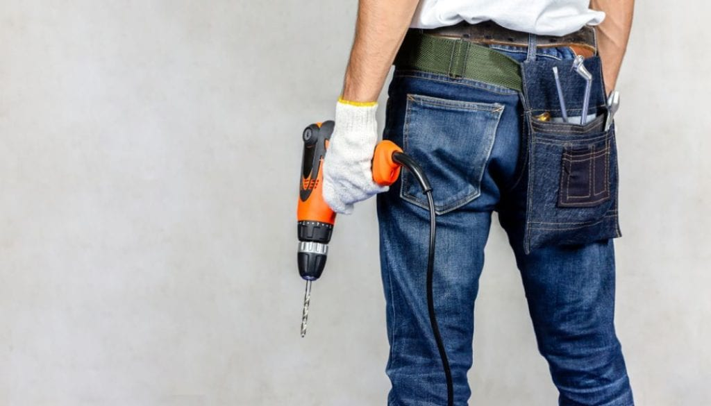 A contractor without a license is a giant red flag.