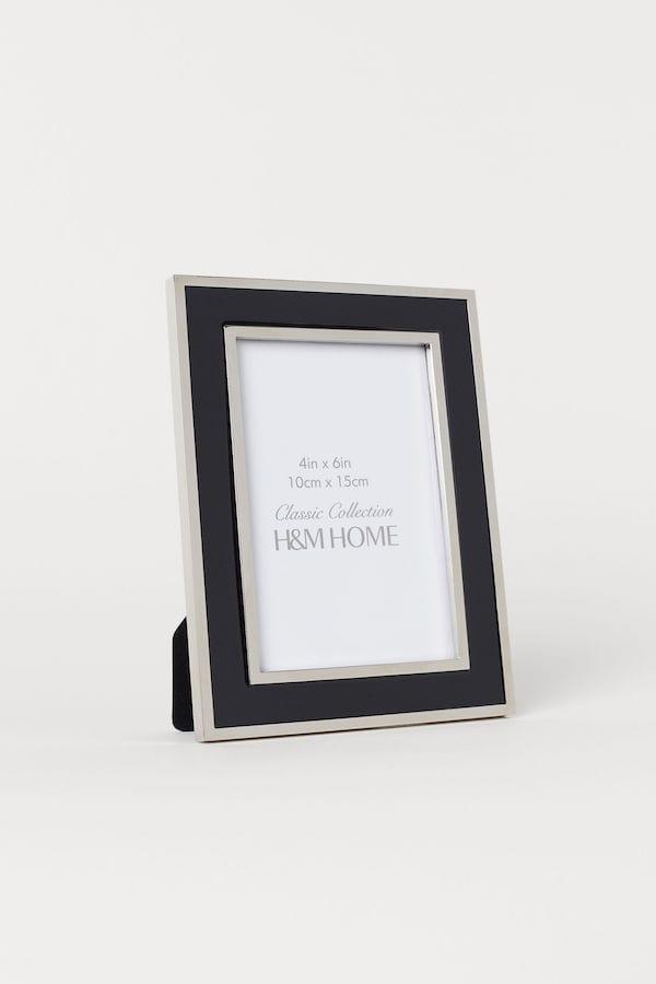 guest bedroom essentials - frame