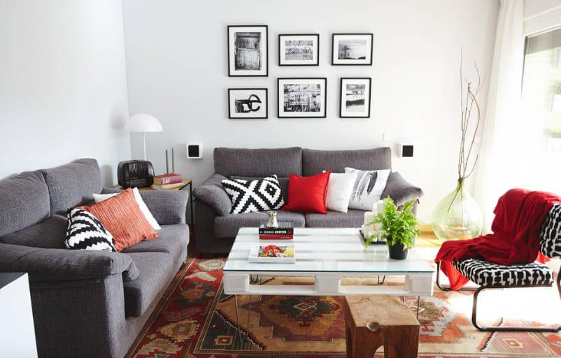 how to build a pallet coffee table that's mid century modern - freshome.com