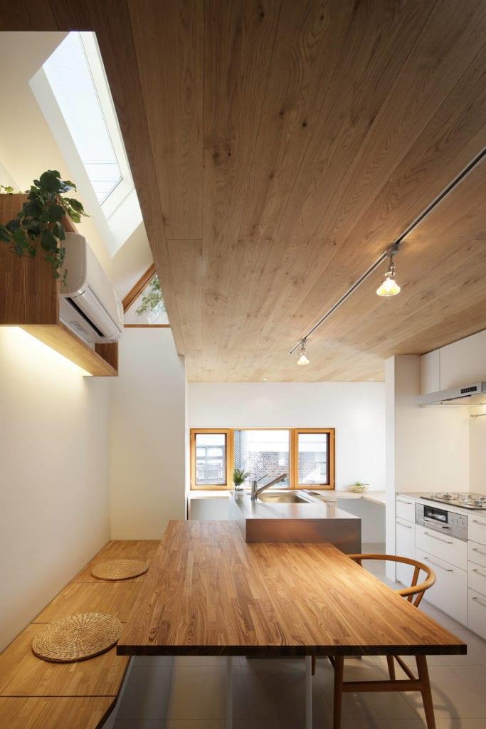 narrow house 11