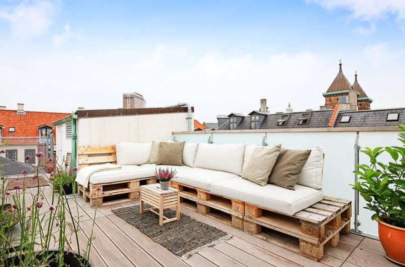 outdoor furniture ideas using free wood pallets - freshome.com