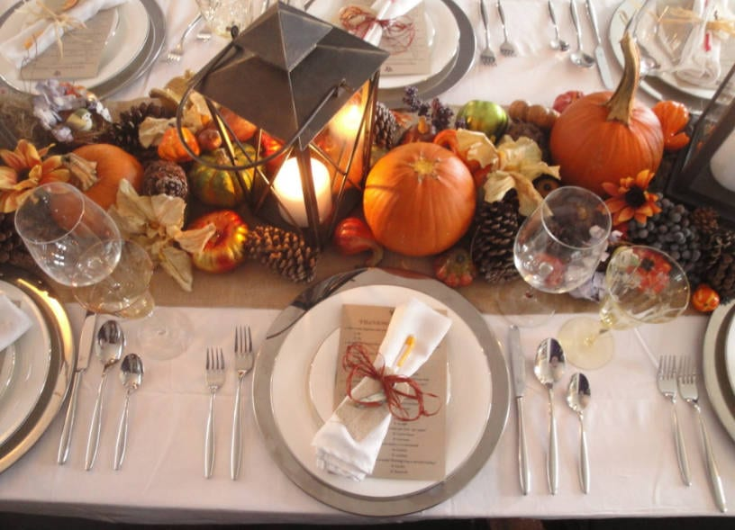 8 Thanksgiving Table Decorating Ideas for a Modern ...