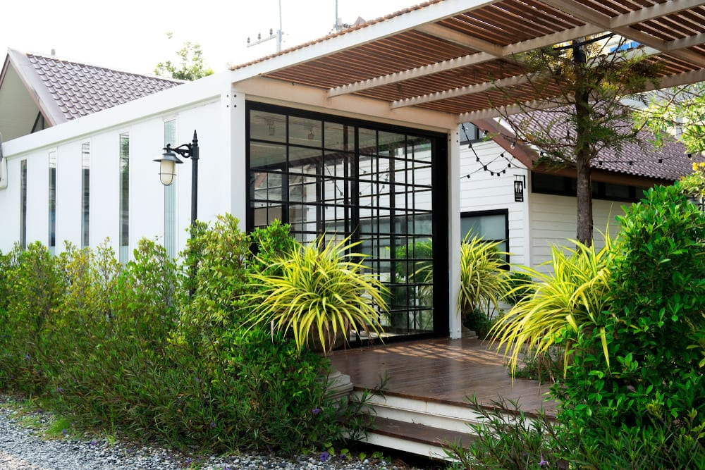 Shipping Container Homes Cargotecture Pros And Cons
