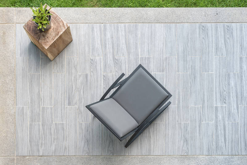 how to update your patio for a modern look with Chilewich rugs