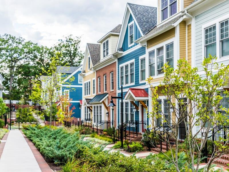 Neighborhood homes with gardens