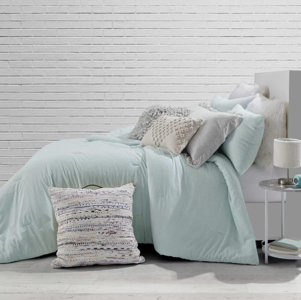 Mint dorm room