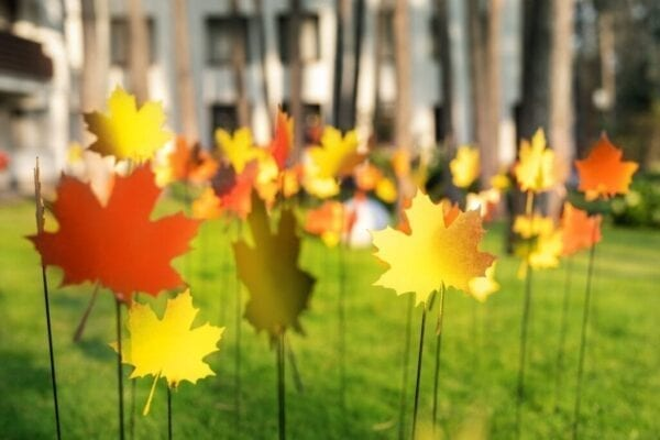 Fall leaves yard decor for outdoor Thanksgiving or fall holidays
